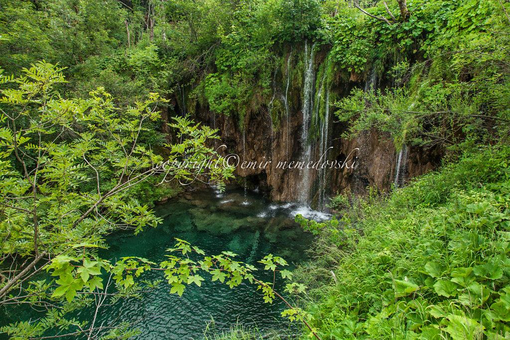 Plitvice-Lakes-Croatia-3.jpg
